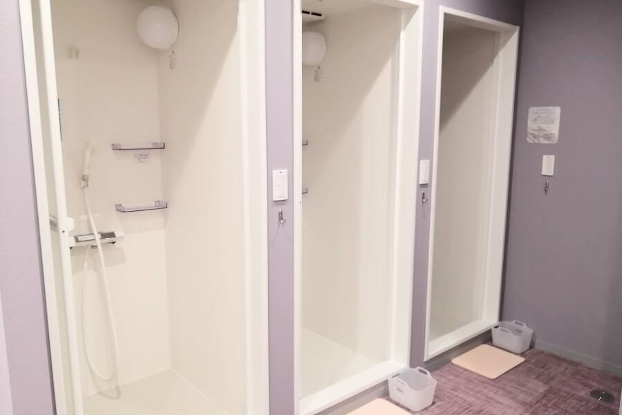 ホットヨガ「アミーダ」のシャワールーム
