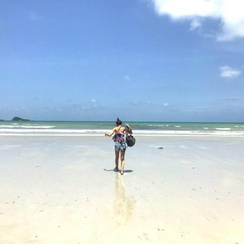 ビンタン島ラゴイビーチ