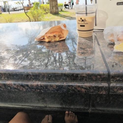 箱根ベーカリー&テーブルでの食事の様子