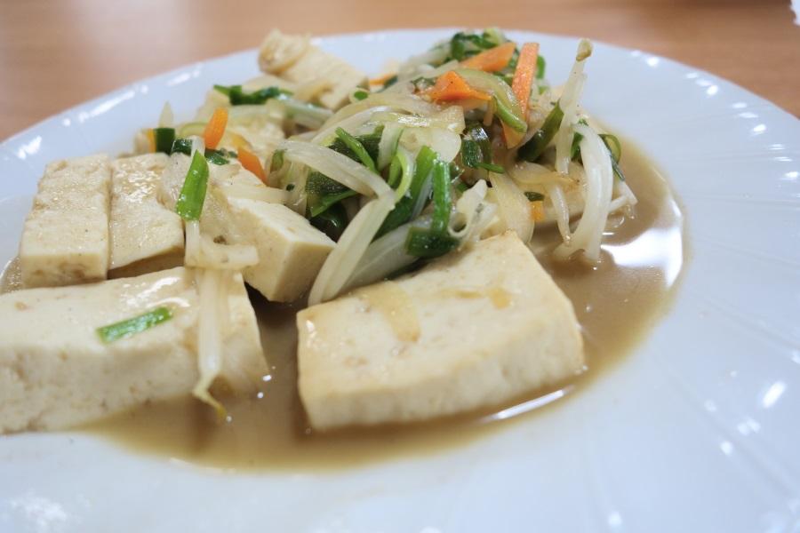 ひろちゃん食堂の豆腐チャンプル