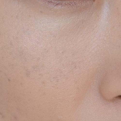 It Cosmetics(イットコスメティクス)CC+イルミネーションクリームを1回ぬったところ