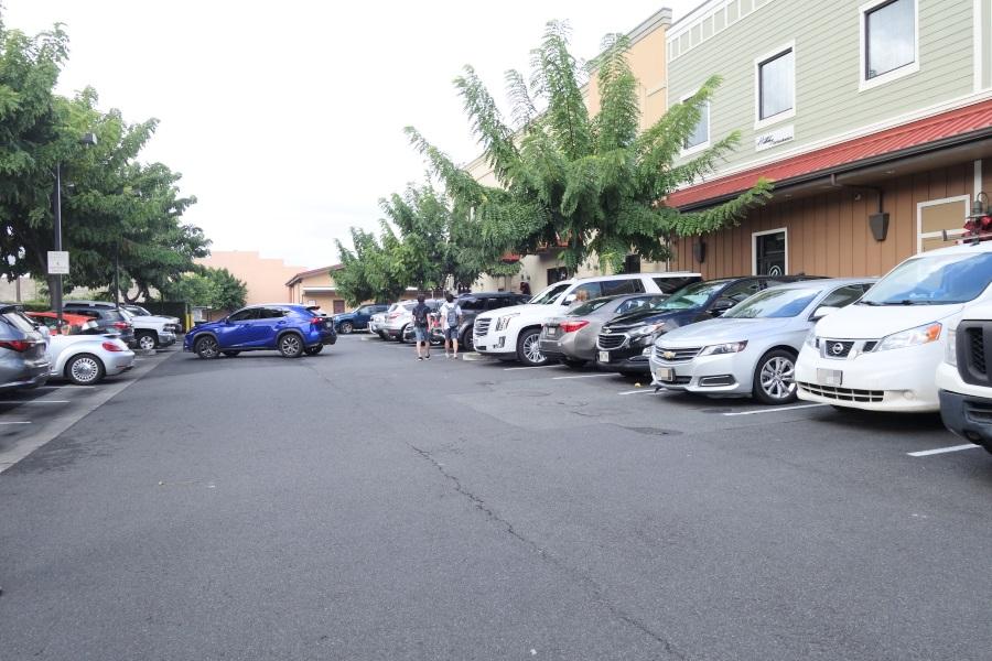 カイルアタウンのブーツアンドキモズの駐車場