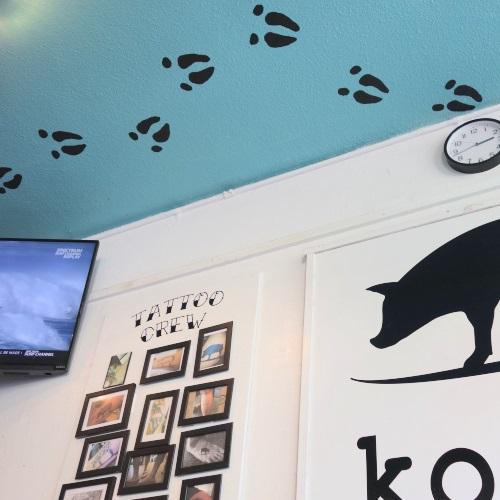 コノズの店内のアート