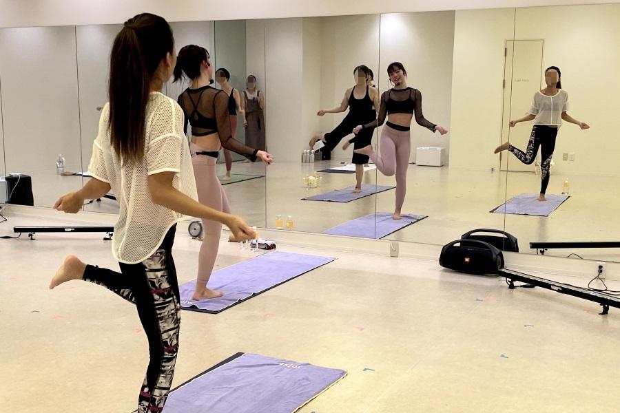 ロイブのK-POPダンスレッスンで縄跳びダンス