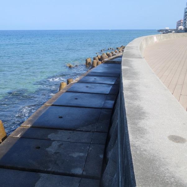 宮城海岸の防波堤