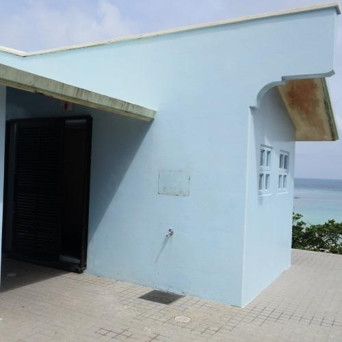 パイナガマビーチのトイレとシャワー