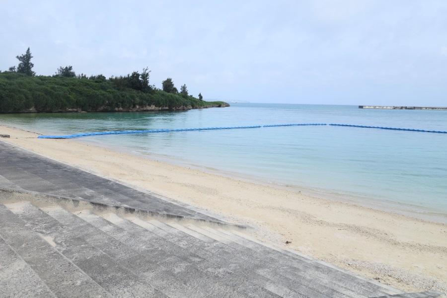 パイナガマビーチのクラゲ防止ネット