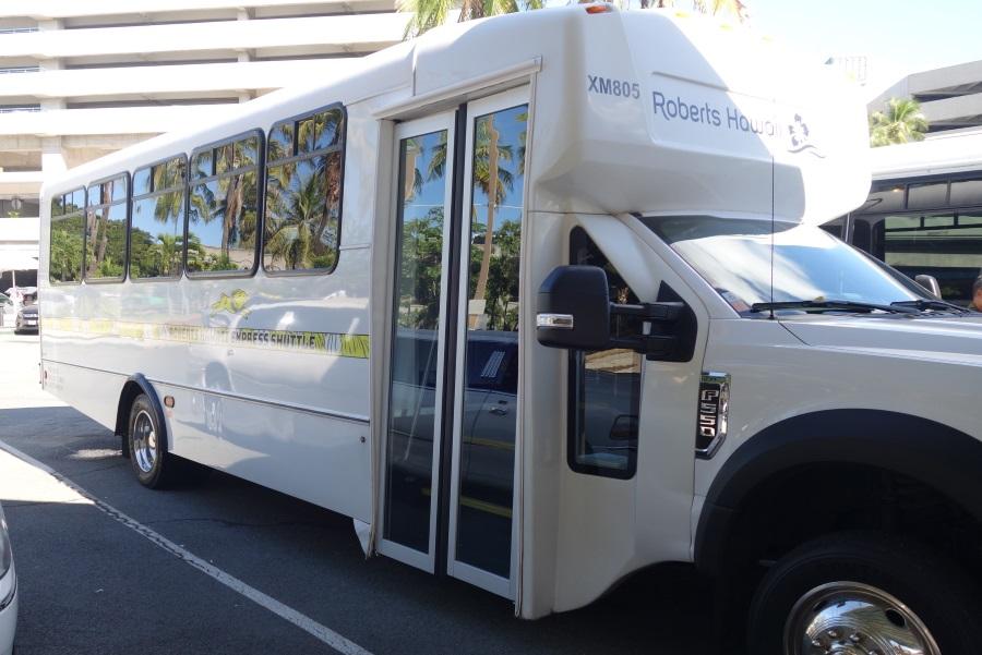 ロバーツハワイのエアポートシャトルバス