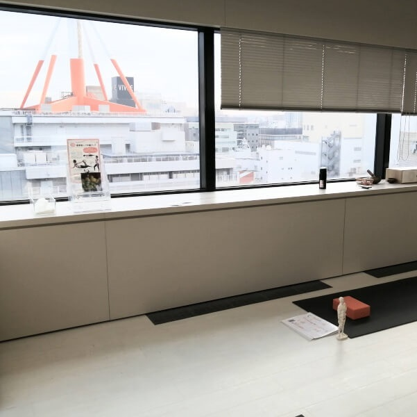 YMCヨガインストラクター養成スクールのスタジオから外の風景