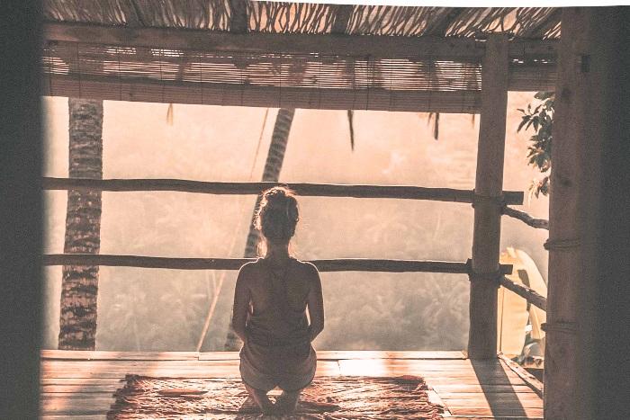 オンラインヨガの瞑想のイメージ